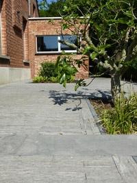 Klinkers in beton, klei of natuursteen: elk beschikken ze over hun eigen voor- en nadelen.